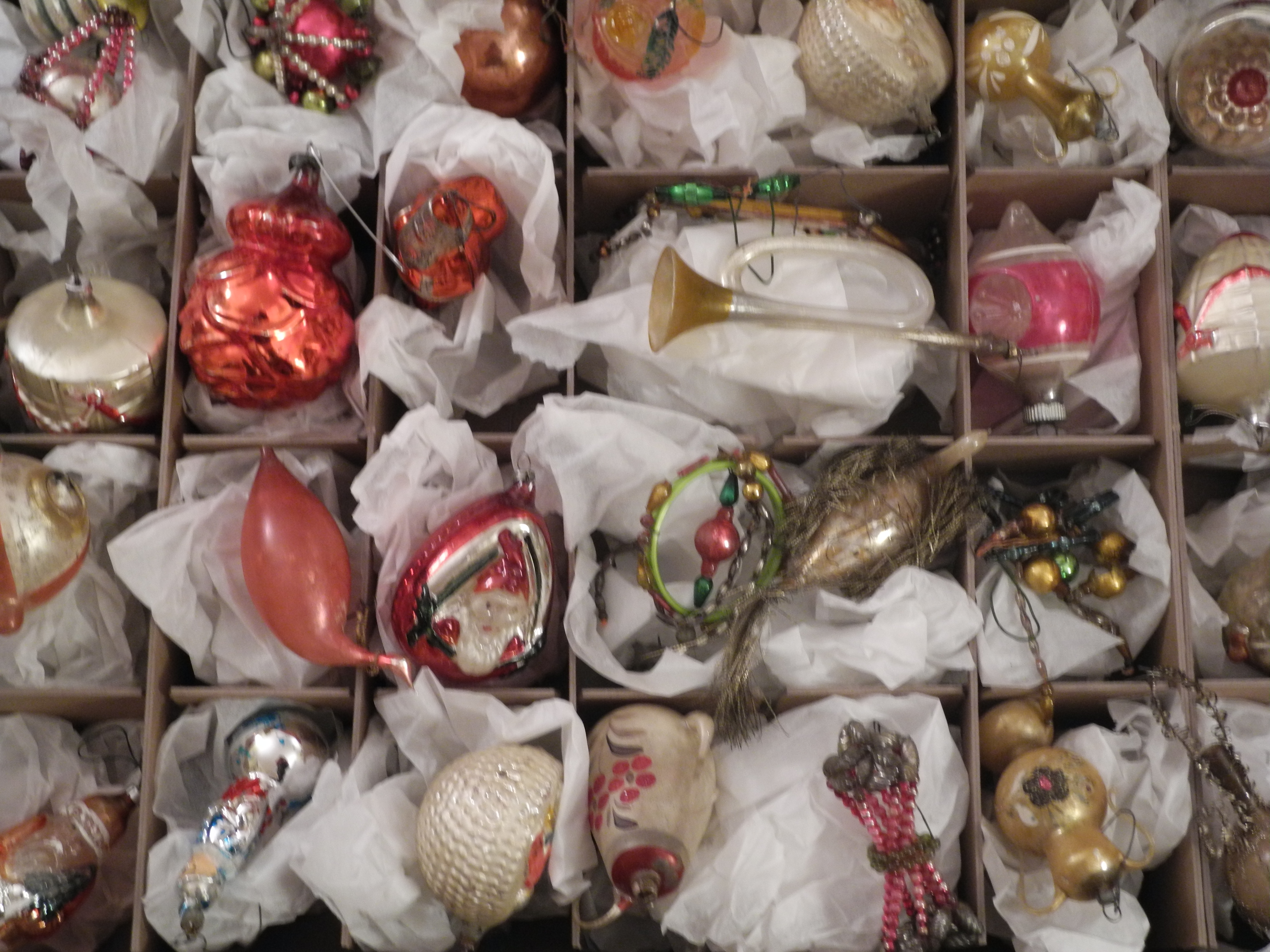 My collection of antique vintage christmas ornaments for Collecting vintage christmas ornaments